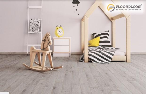 Nên chọn màu sàn gỗ phù hợp với màu tường