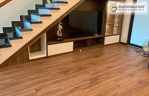 Cần đảm bảo màu sàn và màu đồ nội thất được tương thích với nhau
