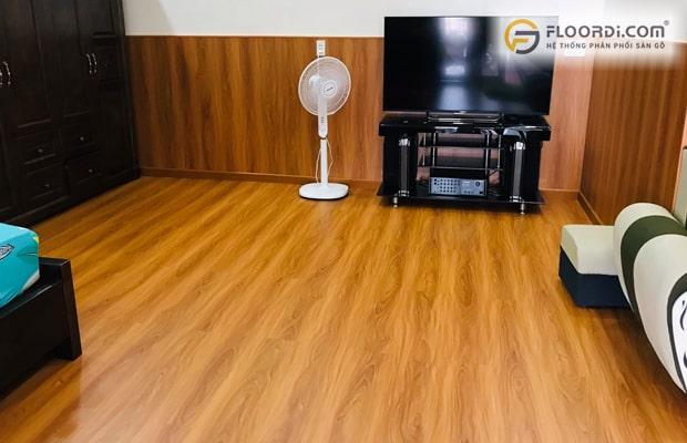 Dùng loại gỗ lát sàn chống nước từ cấp độ 1 đến 5 giúp đảm bảo không gian luôn như mới